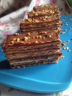 Tarta de galletas, crema de chocolate y crema pastelera