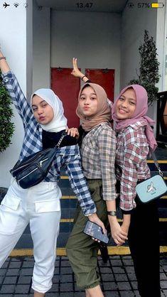 Modest Fashion Hijab, Modern Hijab Fashion, Street Hijab Fashion, Casual Hijab Outfit, Hijab Fashion Inspiration, Ootd Fashion, Korean Fashion, Casual Outfits, Cute Outfits