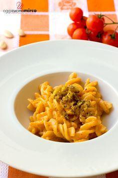 La pasta con pesto di mandorle alla siciliana è gradevole e profumata, ottima alternativa al pesto tradizionale.