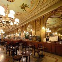 La Rochelle, Charente-Maritime, Poitou-Charentes France. Restaurant-Café de la Paix http://www.larochelle-tourisme.com/la-rochelle/photos