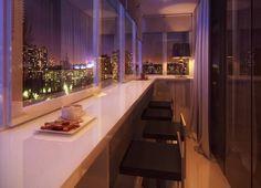 Маленькая барная стойка на подоконнике - фото балкона