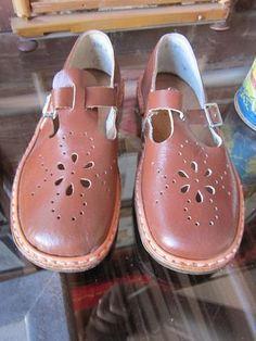 Сандалии -обувь моего детства