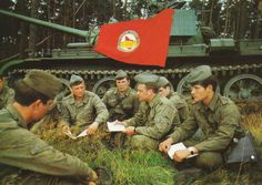 East German soldiers on a break from a military exercise. East Germany, Berlin Germany, Warsaw Pact, Troops, Soldiers, Soviet Army, German Uniforms, Berlin Wall, Red Army