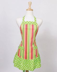 love my aprons...