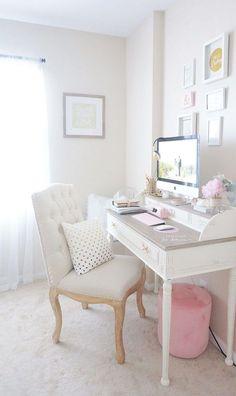 Nice 120+ Luxury and Elegant Home Office Decor Ideas https://homearchite.com/2017/06/02/120-luxury-elegant-home-office-decor-ideas/