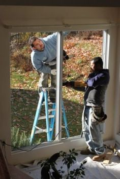 8 things to consider before replacing windows - Gotta get this done to get my home rental property ready Remodeling Costs, Home Remodeling, Bussines Ideas, Seamless Gutters, Vinyl Replacement Windows, Best Windows, Window Styles, Home Ownership, Rental Property