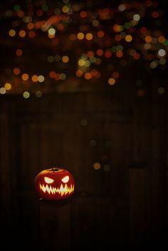 jack-o'-lantern Halloween iPhone wallpaper background holiday Halloween art Happy Halloween, Samhain Halloween, Theme Halloween, Halloween Horror, Holidays Halloween, Spooky Halloween, Vintage Halloween, Halloween Pumpkins, Halloween Decorations