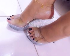 Sexy Legs And Heels, Hot High Heels, Feet Soles, Women's Feet, Stripper Heels, Beautiful Toes, Sexy Sandals, Clear Heels, Only Shoes