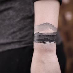 Black ink wrist tattoo - 50 Eye-Catching Wrist Tattoo Ideas - Body Art Black And White - S Tattoo, Tattoo Girls, Tattoo Band, Armband Tattoo, Cover Tattoo, Tattoo Fonts, Body Art Tattoos, Girl Tattoos, Sleeve Tattoos