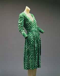 Diane Von Furstenberg: Wrap dress (1997.487) | Heilbrunn Timeline of Art History | The Metropolitan Museum of Art