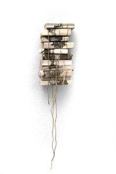 Bücherstapel, Naturkonzept, BJ Pösger (Stacks of books, nature concept by BJ Pösger)2005
