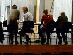 L'équipe des régisseurs sur le plateau pour la nouvelle production de Rigoletto, l'opéra de Verdi, mise en scène de François de Carpentries, direction musicale de Gaetano D'Espinosa. Marco Vratogna interprète le rôle-titre aux côtés d'Anna Simska (Gilda). Représentations du 25 au 27 janvier 2013.