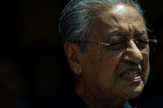 Malaysia's newly-elected Prime Minister Mahathir Mohamad said on Friday that the country's monarch has indicated he was willing to grant a full pardon. Mahathir Mohamad, Usa Today News, Job Information, World News Headlines, New Law, Latest World News, Fake News, King, Prime Minister