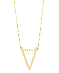 @HiStreetUSA gold necklace can be worn with ABSOLUTELY EVERYTHING!