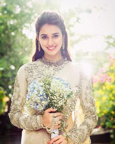 6 Months Bridal Beauty Countdown for Every Indian Bride! Disha Patani Photoshoot, Wedding Photoshoot, Desi Wedding Dresses, Bridal Dresses, White Saree Wedding, Engagement Dresses, Beautiful Girl Indian, Indian Beauty Saree, Bride Look