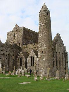 Cashel, County Tipperary, Ireland. Побудуй свій замок з конструктора http://eko-igry.com.ua/products/category/1658731