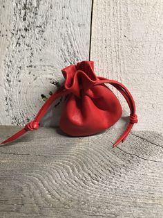Handmade Leather Sack Bag - Coin Purse - Red Coin Pouch - Coin Sack - Coin Holder Leather Necklace, Leather Jewelry, Leather Accessories, Leather Craft, Leather Bags Handmade, Handmade Bags, Leather Pouch, Lambskin Leather, Sack Bag