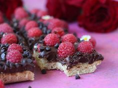 Chocolate Chip Raspberry Shortbread Cookie Bars |