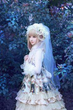 Rebecca Cheng(Rebecca Zheng) Lolita Cosplay Photo - Cure WorldCosplay