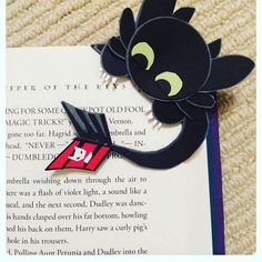 Me encanta este marcapáginas de desdentao de la película  Como entrenar a tu dragón. ¿Habeis visto película?   #comoentrenaratudragon #marcapagina #pelicula #libro