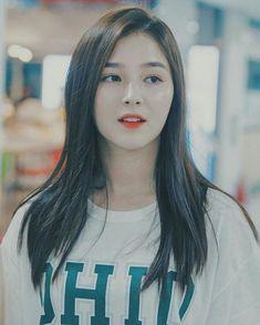 Do you love Nancy ? Nancy Jewel Mcdonie, Nancy Momoland, Kpop Girl Groups, Kpop Girls, Korean Beauty, Asian Beauty, Saitama One Punch Man, Korean Haircut, Brave Girl