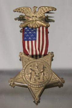 A rare Civil War 13 star medal :
