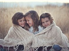 3 Sisters. Beautiful picture idea for my girls.