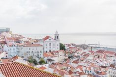 2 Weeks in Portugal // The Complete Itinerary 2 weeks in Portugal is the perfect amount of time to get a taste of the country. Visit Porto, Libson, Lagos & more in this complete Portugal itinerary. Cool Places To Visit, Places To Travel, Places To Go, Kayak Tours, Boat Tours, Best Places In Portugal, Lisbon Portugal, Faro Portugal, Portugal Trip