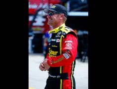 « PREVIOUSNEXT »Photo 6 of 55   Coca-Cola 600 - Practice CHARLOTTE, NC - MAY 22Clint Bowyer