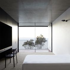 Whale beach house by Tobias Partners