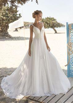 Boho Brautkleid schmale Träger Spitze Fließend Leicht Rembo Styling, Lace Wedding Dress, Boho Wedding, Wedding Dresses, Boho Inspiration, Wedding Inspiration, Fascinator, Herve, Romantic Lace
