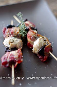 Une recette de poulet au lard et pruneaux ultra gourmande à mettre rapidement en favoris pour sublimer les barbecues !