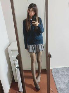 School Girl Japan, School Girl Outfit, Japan Girl, Teen Girl Outfits, Girly Outfits, Cute Asian Girls, Cute Girls, Fashion Tights, Fashion Outfits