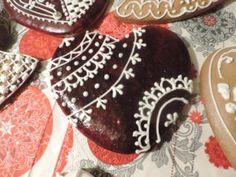 Bögrés mézeskalács - Mézeskalács Mánia Stevia, Gingerbread Cookies, Chocolate, Mint, Desserts, Food, Gingerbread Cupcakes, Tailgate Desserts, Deserts