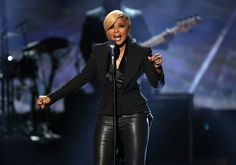 Mary J Blidge in leather