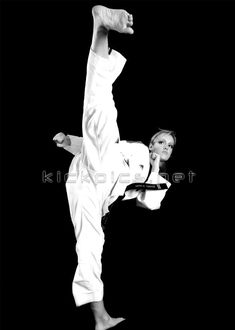 Tracy Chase Martial Arts Styles, Martial Arts Women, Mixed Martial Arts, Karate Kick, Female Martial Artists, Action Poses, Sports Women, Fitness Goals, Fashion Art