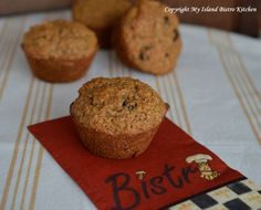These classic bran muffins are a great addition to the breakfast table or are perfect for mid-morning coffeebreaks. Mushroom Soup Pork Chops, Homemade White Bread, Canned Tomato Soup, Bistro Kitchen, Tea Biscuits, Healthy Snack Options, Bran Muffins, The Bistro, Island Food