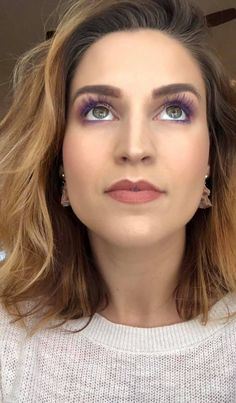 Can't stop and won't sharing my favourite current makeup trend which is purple mascara! A nice way to make any eyes POP without a bold or dramatic eye shadow look. I have linked for you my favourite brand! Purple Mascara, Colored Mascara, Eyeshadow Looks, Eyeshadow Makeup, Hair Makeup, Everyday Beauty Routine, Beauty Routines, Green Eyes Pop, Maskcara Makeup