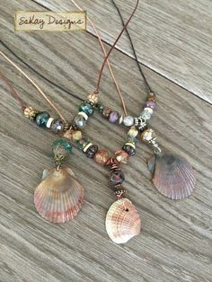 Beachcomber Shell Necklaces Source by etsy Seashell Jewelry, Seashell Necklace, Seashell Crafts, Beach Jewelry, I Love Jewelry, Wire Jewelry, Jewelry Crafts, Handmade Jewelry, Beaded Necklace