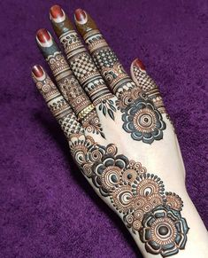 Finding the best simple and easy mehndi designs? I have curated the best top 25 simple mehndi design images. Henna Hand Designs, Dulhan Mehndi Designs, Mehandi Designs, Mehendi, Mehndi Designs Finger, Khafif Mehndi Design, Mehndi Designs Book, Mehndi Designs For Beginners, Modern Mehndi Designs