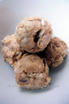 No Bake Chocolate Peanut Butter Bites.  Super easy and healthy
