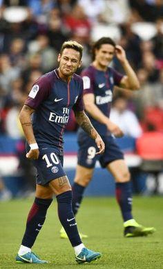Hearts of Truth Neymar Jr, Football Tops, Football Match, Good Soccer Players, Football Players, Brazilian People, Paris Saint Germain Fc, Neymar Brazil, Soccer Skills