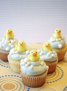 rubber ducky cupcakes - great for baby shower - in pink for a girl! Duck Cupcakes, Sundae Cupcakes, Duck Cake, Easter Cupcakes, Fondant Cupcakes, Baby Shower Cupcakes, Shower Cakes, Cupcake Cakes, Birthday Cupcakes