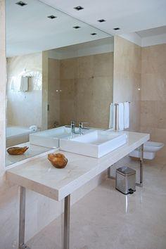 Monte Real - Hotel, Termas e Spa by Antonio Garcia Arquitectos Lda. #hotel #spa #termas #luxury #marble #darkemperador #montereal #leiria #portugal #renovation #reabilitacao #marmore #bathroom #casadebanho #contemporary #contemporanea