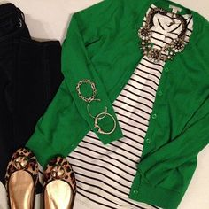 Kelly green, black, white, nix the leopard--might also look cute with jeans and brown or gray booties Green Cardigan Outfit, Cardigan Outfits, Casual Outfits, Cute Outfits, Fashion Outfits, Womens Fashion, Green Blazer, Green Shoes Outfit, Leopard Flats Outfits