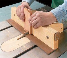 box joint jig plan                                                                                                                                                                                 More Woodworking Jigsaw, Woodworking Joints, Woodworking Workshop, Woodworking Techniques, Woodworking Furniture, Woodworking Crafts, Woodworking Plans, Woodworking Apron, Box Joint Jig