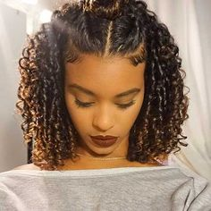 If you are searching for some short curly hair styles ideas that you can try today, you came to the Curly Hair Styles, Curly Hair Cuts, Frizzy Hair, Wavy Hair, Ponytail Styles, Sleek Ponytail, Curly Hair With Braids, Loose Ponytail, Curly Afro