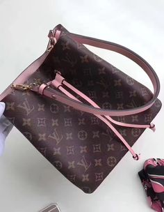 The trim of Louis Vuitton Monogram Canvas Neonoe is made from calf leather, and it is colorful, so you will be noticed no matter where you are. The interior shares the same passion. It is made from microfiber, which is colorful as well and which is known for durability. All of this is improved with the metal hardware made from gold-colored metal. Not only it looks great, the metal is designed to last as long as the entire bag.  Find more Louis Vuitton handbags at…