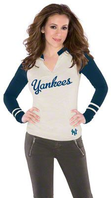 Touch by Alyssa Milano Boston Red Sox Ladies Sports Envy Long Sleeve Slub T-Shirt - Cream Nike Outfits, Sport Outfits, College Football, Blackhawks Store, Chicago Blackhawks, Chicago Bears, New Era Hats, Jacksonville Jaguars, Detroit Red Wings
