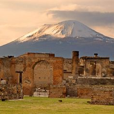 Pompeii, amazing how they lived until the volcano